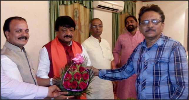 Shri Subir Roy Chowdhury (Rastriya Koshadhyaksh) & Rajesh Jain (Pradesh Adhyaksh, Gujarat) with National Secretary of BJP Kailash Vijay Barga at Kolkata